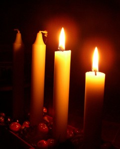advent2candles-241x300